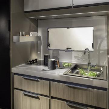 Adria Compact Plus DL - kuhinja