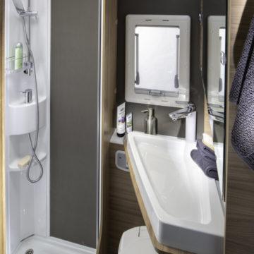 Adria Coral XL Axess 600 DP - kopalnica