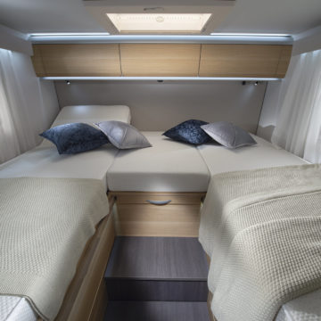 Adria Matrix Plus 670 SL - ločeni postelji