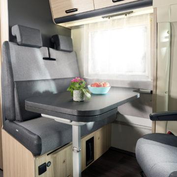 Adria Sun Living S 65 SL - jedilni prostor