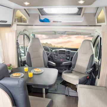 Adria Sun Living S 65 SL- prednji prostor