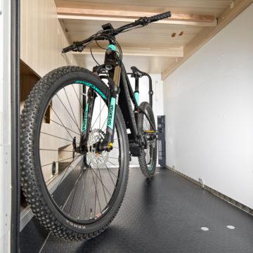 Adria Sun Living S - garažni prostor