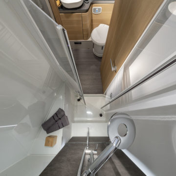 Avtodom Matrix Plus 670 DC - kopalnica