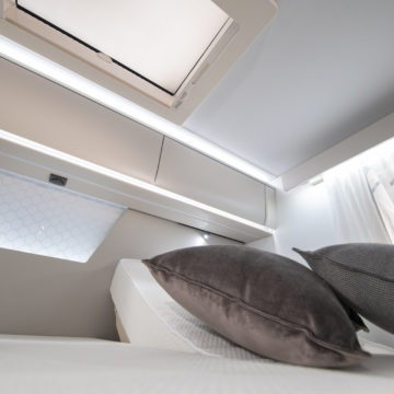 Avtodom Matrix Supreme 670 SL - osvetlitev postelj