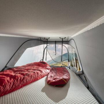 Dvižna postelja v Adriinem vanu Twin Sports SGX