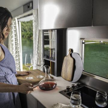 Kuhinjski prostor prikolice Astella