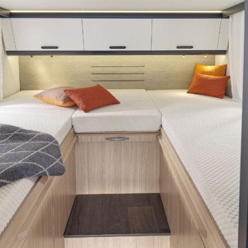 Ločeni postelji v Adriinem avtodomu Sun Living S 75 SL.jpg
