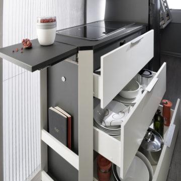 Van Adria Twin Supreme velik predalnik v kuhinji